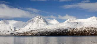 Click for more details of Blaven and Glamaig from Dunan Skye (photograph) by Margaret Elliot