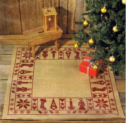 Christmas Spirit Tree Skirt - click for larger image