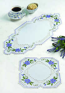 Blue pansies table runner - click for larger image