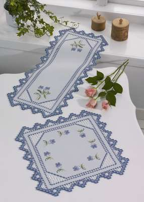 Pansies table runner - click for larger image