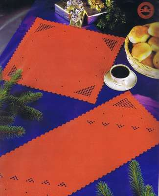 red table runner - click for larger image