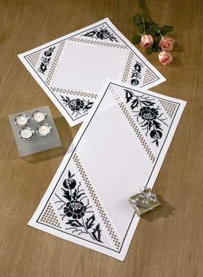 Black Roses table runner - click for larger image