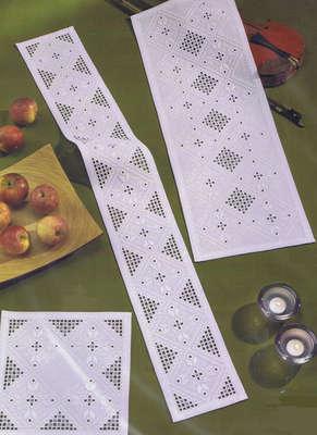 Christmas Diamonds long table runner - click for larger image