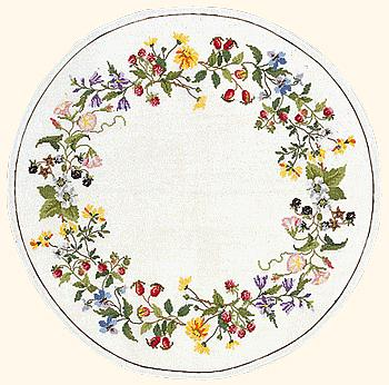 Circle of wild flowers table cover