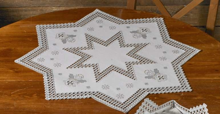 Hardanger Table Mats with Christmas Angels - click for larger image