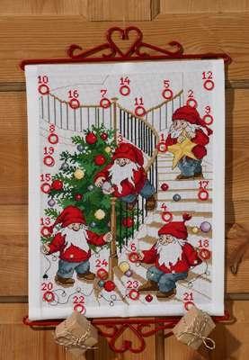 Elves decorating Tree  Advent Calendar - click for larger image