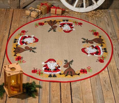 Santa and Reindeer Tree Skirt - click for larger image
