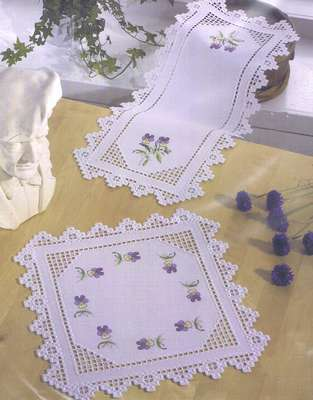 Violas table runner - click for larger image