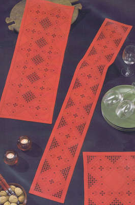 Christmas Diamonds long table runner - click for larger image