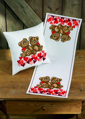 Love Heart Teddies Table Runner - click for larger image