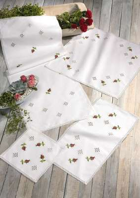Rosebuds and Lace long table runner - click for larger image