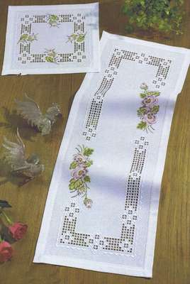 Rose Spray long table runner - click for larger image